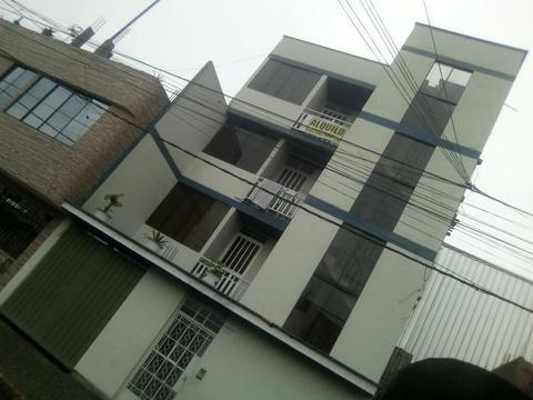 Vendo Edificio de 4 Pisos con Alquileres