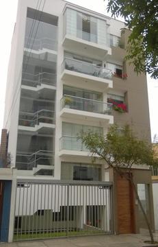 Miraflores moderno 3 dormitorios 2° piso 120m2 c/Roma y Malecón