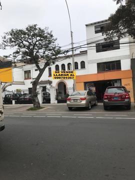 Venta de Vivienda Como Terreno en San Isidro