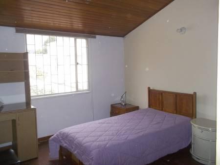 Alamos Monterrico habitación independiente para señorita