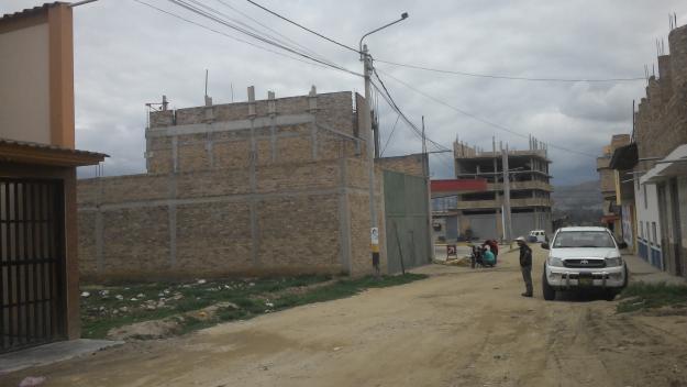 Se vende terreno cerca la vía de evitamiento calle San Juan