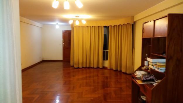 Alquilo dpto. bonito de 125 mts. en 3er piso más terraza 4to.piso