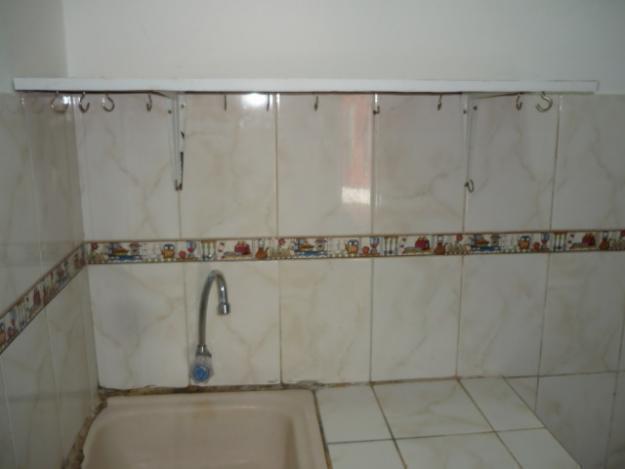 alquilo habitacion amoblada en cedros de villa con baño y cocina privada chorrllos