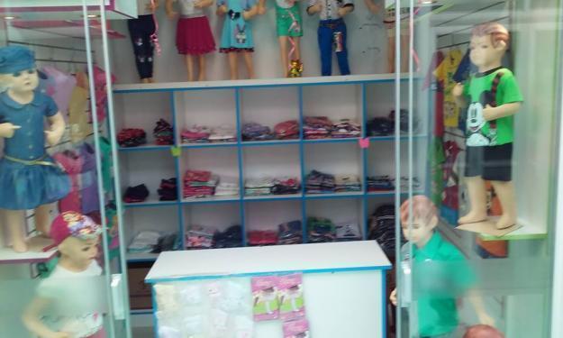 tienda de ropa para niños de 2 a 12 años