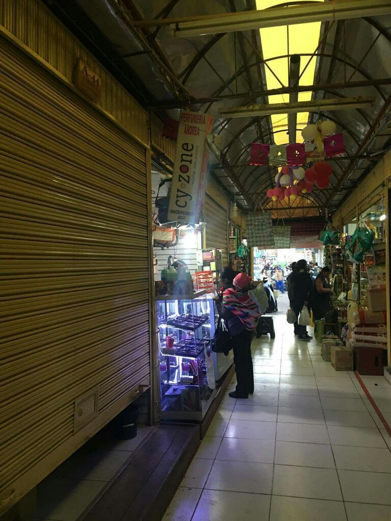 Vendo Tienda en Mercado Túpac Amaru