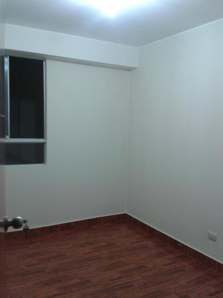 Alquiler Cómodo y lindo departamento Los Olivos en edificio Residencial