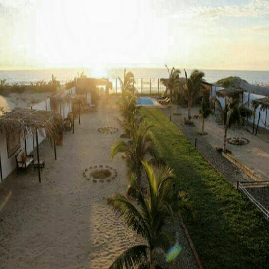 Hotel o Condominio salida al mar Vichayito
