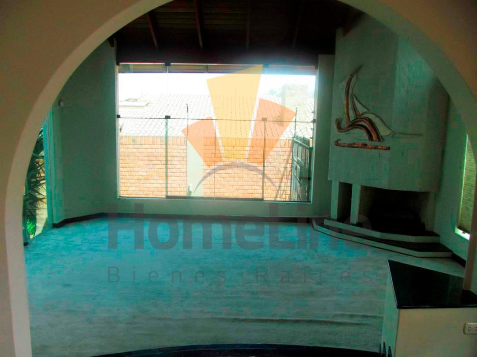 CRM1108387 ALQUILO HERMOSA CASA DE 2 PISOS, CON 2 PISCINAS, AMPLIO JARDIN EN LA MOLINA