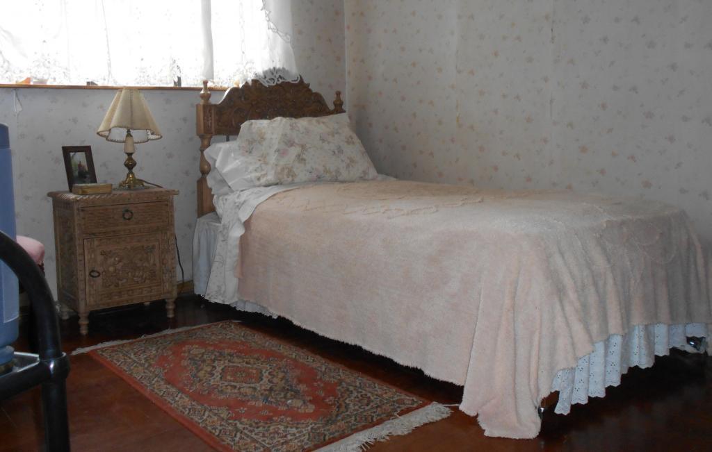 Dormitorio en zona centrica de San Isidro con hermosa vista al jardin