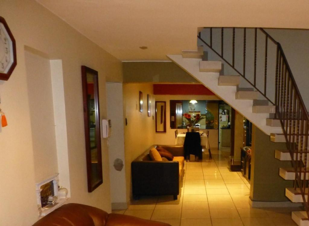 Se Vende Casa en San Juan de Miraflores, Zona D Remodelada