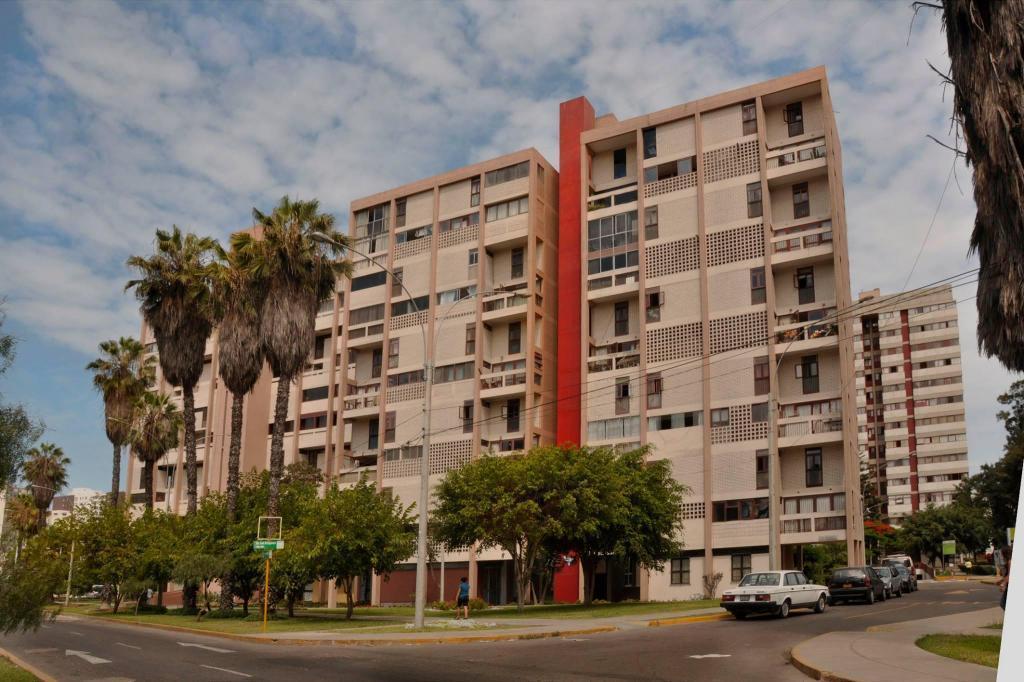 REMATO US170,000 Dpto en Residencial San Felipe, Jesús María