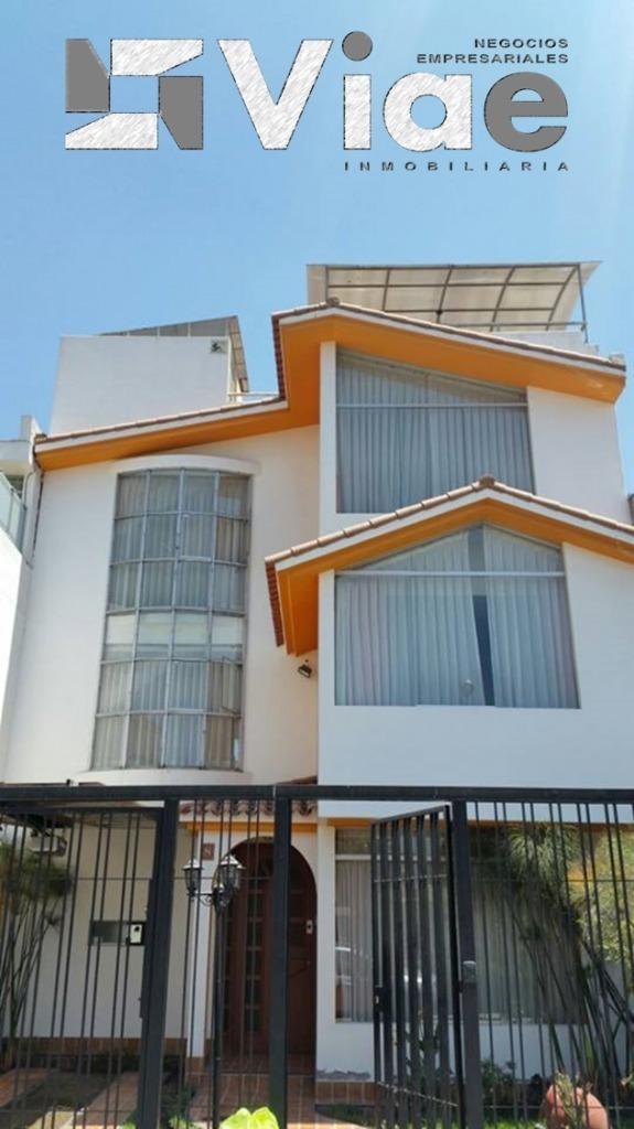 Vendo Hermosa Casa en J. L. b y R