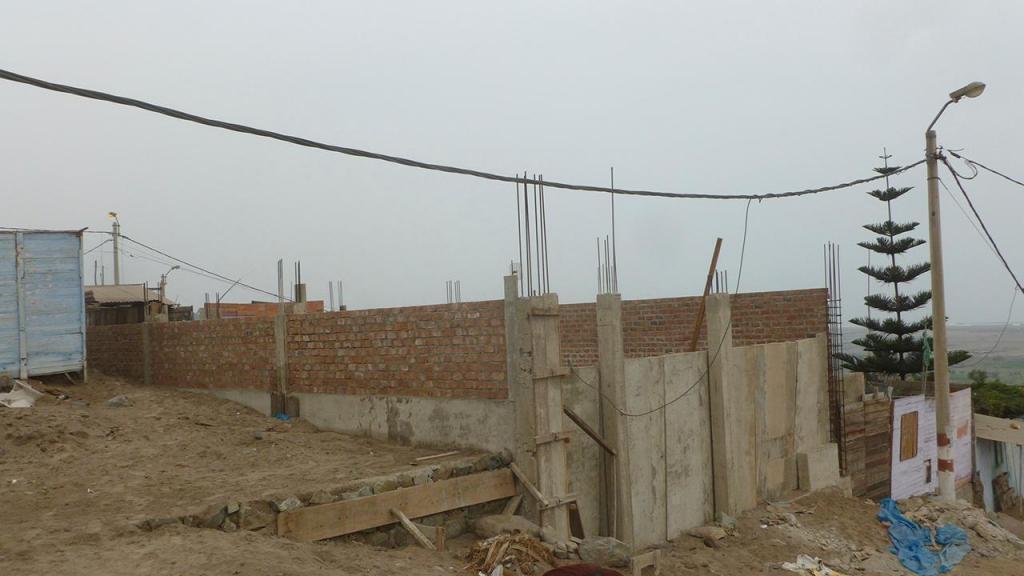 VENDO TERRENO 120 M2 EN CONSTRUCCION, MATERIAL NOBLE