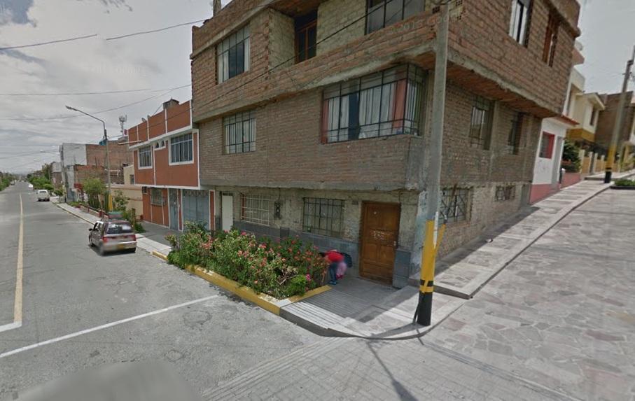 Vendo casa en Miraflores 2 plantas $75,000