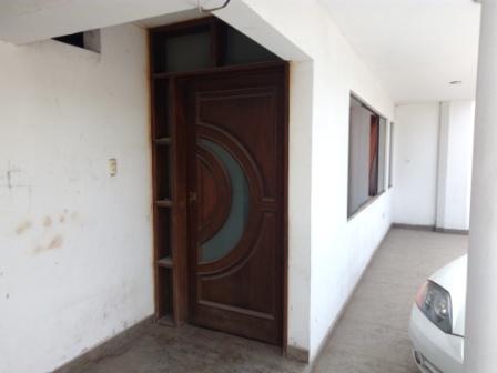 Remato Casa 2 pisos con departamento independiente entre Ate y La Molina