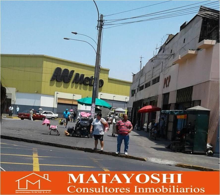 Vendo Local de 2 Pisos Frente a Plaza Unión