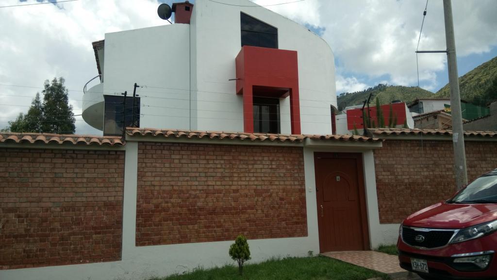 alquilo casa en zona residencial ecologica de  SANTA MARIA