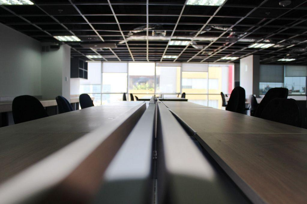 Impecable oficina implementada en San Isidro